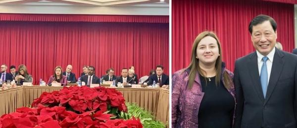 Cónsul General de Colombia en Shanghái, Luz Helena Echeverry, asistió al encuentro con el Alcalde de Shanghái, Ying Yong
